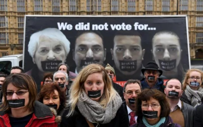 js121991124_epa_stop-brexit-campaigners-launch-campaign-poster-outside-parliament-large_trans_nvbqzqnjv4bq2mm0mdlb_hri0ac4jjl6bdt1dxk8t71cjnh5oaabazw