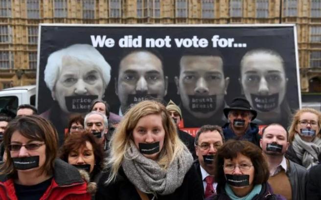js121991124_epa_stop-brexit-campaigners-launch-campaign-poster-outside-parliament-large_trans_nvbqzqnjv4bq2mm0mdlb_hri0ac4jjl6bdt1dxk8t71cjnh5oaabazw